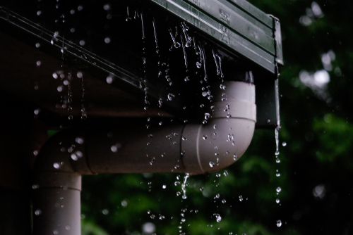 Reasons for overflowing rain gutters